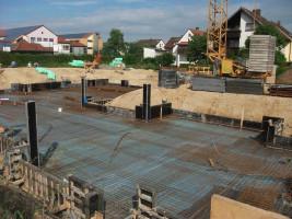Foto priv. : die gigantische Baugrube in der St-Veit-Straße
